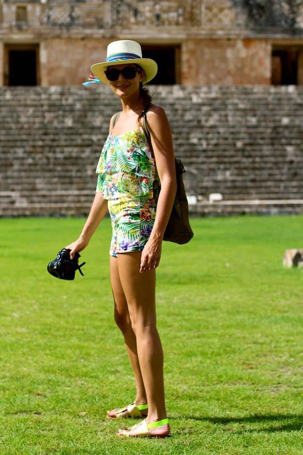 marilyn's closet blog blouse shoes bag