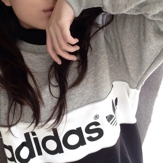 sweater gris adidas sweats adidas winter sweater cold black white grey addias sweater grunge pale black and white top shirt style sportswear fashion grey sweater white sweater black sweater fashionista