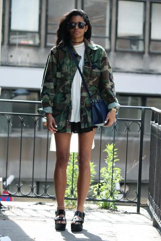 babes in velvet blogger jacket t-shirt shorts shoes camouflage camo jacket