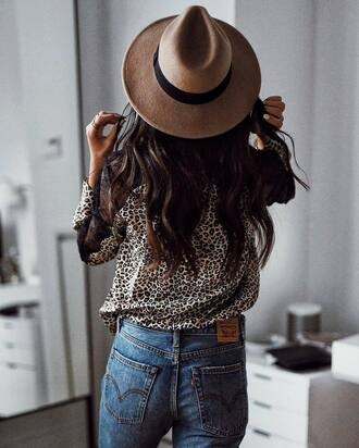 shirt tumblr printed shirt leopard print animal print denim jeans blue jeans hat felt hat boho
