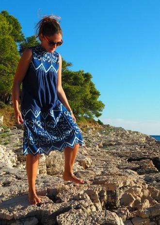 blogger dress top blue dress floral dress summer dress dark blue navy dress navy