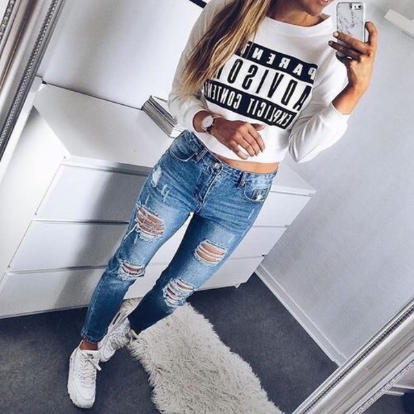 Boyfriend jeans tight shirt – Global fashion jeans collection