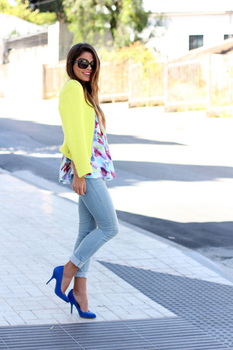 seams for a desire jacket t-shirt jeans shoes sunglasses jewels blouse summer blue pumps bright candy colours yellow jacket