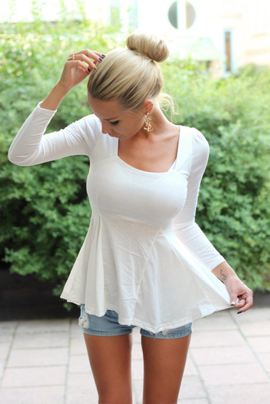 ysl earrings blouse withe pure beautiful nice wheretoget? wantitnow summer summer outfits blonde hair shirt peplum shirt white shirt white peplum top t-shirt jewels