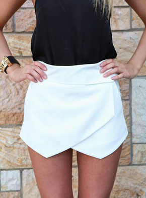 Casual Skorts - White