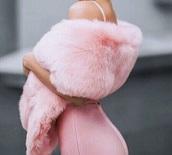 coat,pink,fur shawl,pink fluffy