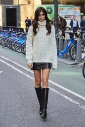 sweater,skirt,sara sampaio,model off-duty,boots,fall sweater,fall outfits