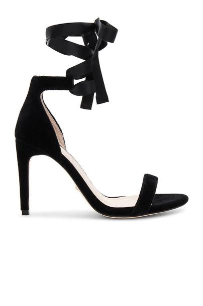 RAYE heel black shoes