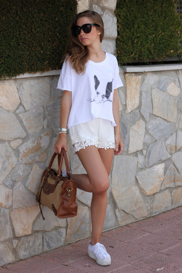 say queen t-shirt sunglasses bag shoes