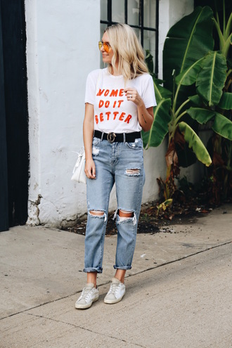 somewherelately blogger t-shirt jeans sunglasses sneakers gucci belt ripped jeans summer outfits mom jeans blogger style slogan t-shirts distressed denim jeans white sneakers crossbody bag