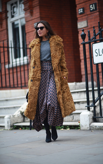 coat grey top cat eye tumblr fur coat big fur coat skirt maxi skirt top boots sunglasses