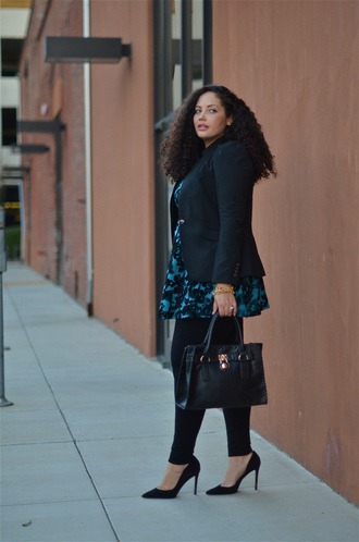 girl with curves blogger jacket bag jewels tailoring office outfits black heels classy plus size leggings plus size curvy