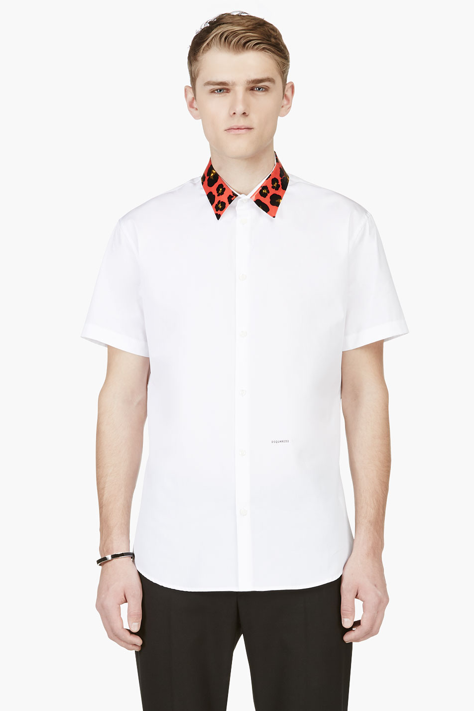 A casual classic, this white short sleeve button-down shirt will improve any gentleman's wardrobe.