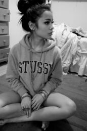 jacket,stussy,hoodie,casual,sweater,grey,sweatshirt,stussy sweatshirr,hoodie stussy,black,love,cute,hipster,tumblr outfit,grey sweater,lovegrey,grey outfit,sweater grey,tumblr,girly,badass,baddies