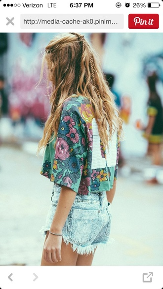 shirt crop tops floral top number tee summer crop sweatshirt hait beach har shorts t-shirt boho bohemian shors heela hees style blouse flowers high waisted shorts high waisted cropped fringes braid colorful color/pattern acid washed shorts
