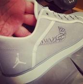 shoes,jordan,michael jordan,suede,sneakers,nike,nike sneakers,grey,grey sneakers,jordans