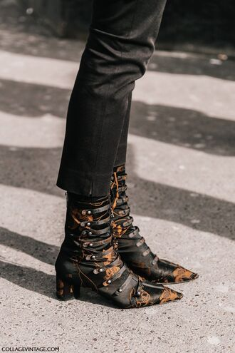 shoes tumblr paris fashion week 2017 fashion week streetstyle fashion week 2017 boots mid heel boots pointed boots printed boots denim jeans black jeans cropped jeans