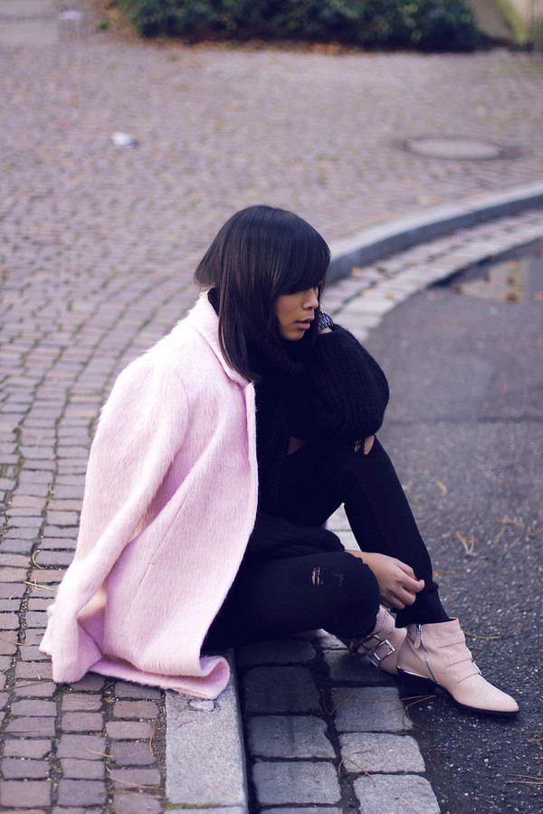 mode junkie sweater jeans coat shoes jewels susanna boots pink boots ankle boots buckle boots black jeans ripped jeans pink coat black sweater
