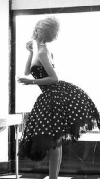 dress poofy white and black polka dot dress  . with a sweetheart shape