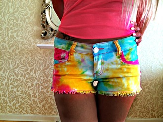 colorful multi rainbow shorts yellow dye mirroe beige extensions nails sequins hot style styles tie dye dip dyed dip dye shorts shorts #dipdye #studs #cute #want multicolor rainbow t-shirt hoodie hoodie coat sequin dress styles for less unicorn