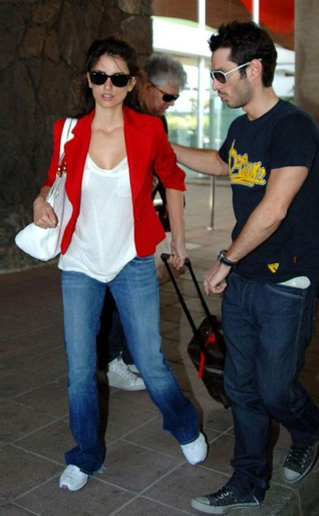 penelope cruz red jacket