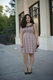 girl with curves,blogger,jewels,bag,dress,curvy