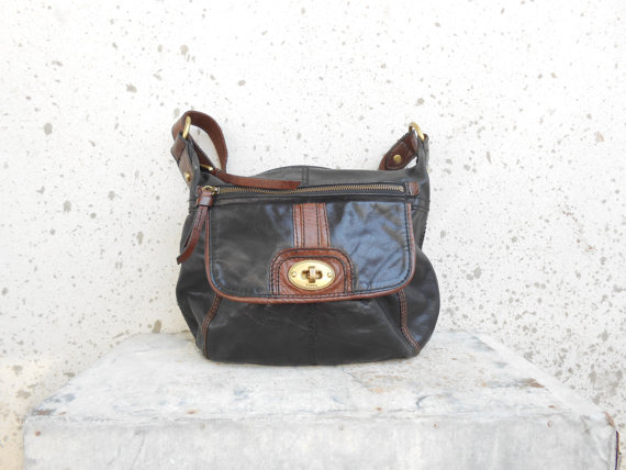 Vintage FOSSIL Black Leather Crossbody Bag // by VindicoShop