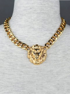 The golden lion head crude necklace