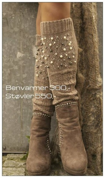 caramel shoes brown beige camel legwarmer socks pearls taupe knit girly wamr warm winter accesories winter accesories legwarmers