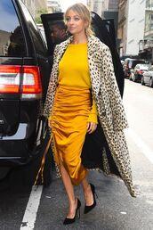 coat,skirt,nicole richie,pumps,midi skirt,top,yellow,yellow top