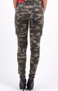 Women's camouflage cargo pants new with tag