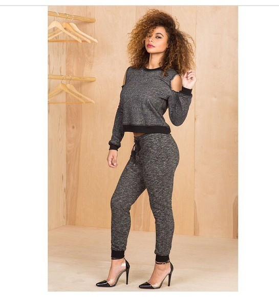 sweatpants crop tops black heels black high heels outfit long sleeves