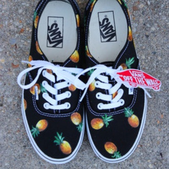 shoes vans off the wall pineapple print