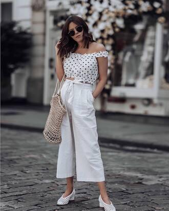 top polka dots top white top pants white pants wide-leg pants shoes bag