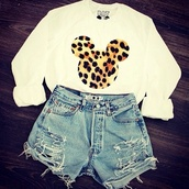 sweater,shorts,shirt,leopard print,mouse,miki mouse,clothes,mickey mouse,jumper,cute,white top,andthat,minnie mouse,sweatshirt,white,long sleeves,mickey mouse sweater,batoko,micky mouse leopard print,disney,outfit,top,hoodie,denim shorts,white sweater