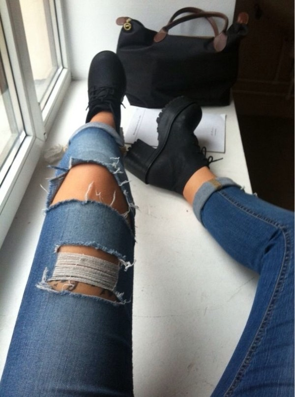 black boots ripped jeans skinny jeans chunky sole chunky boots black bag shoes