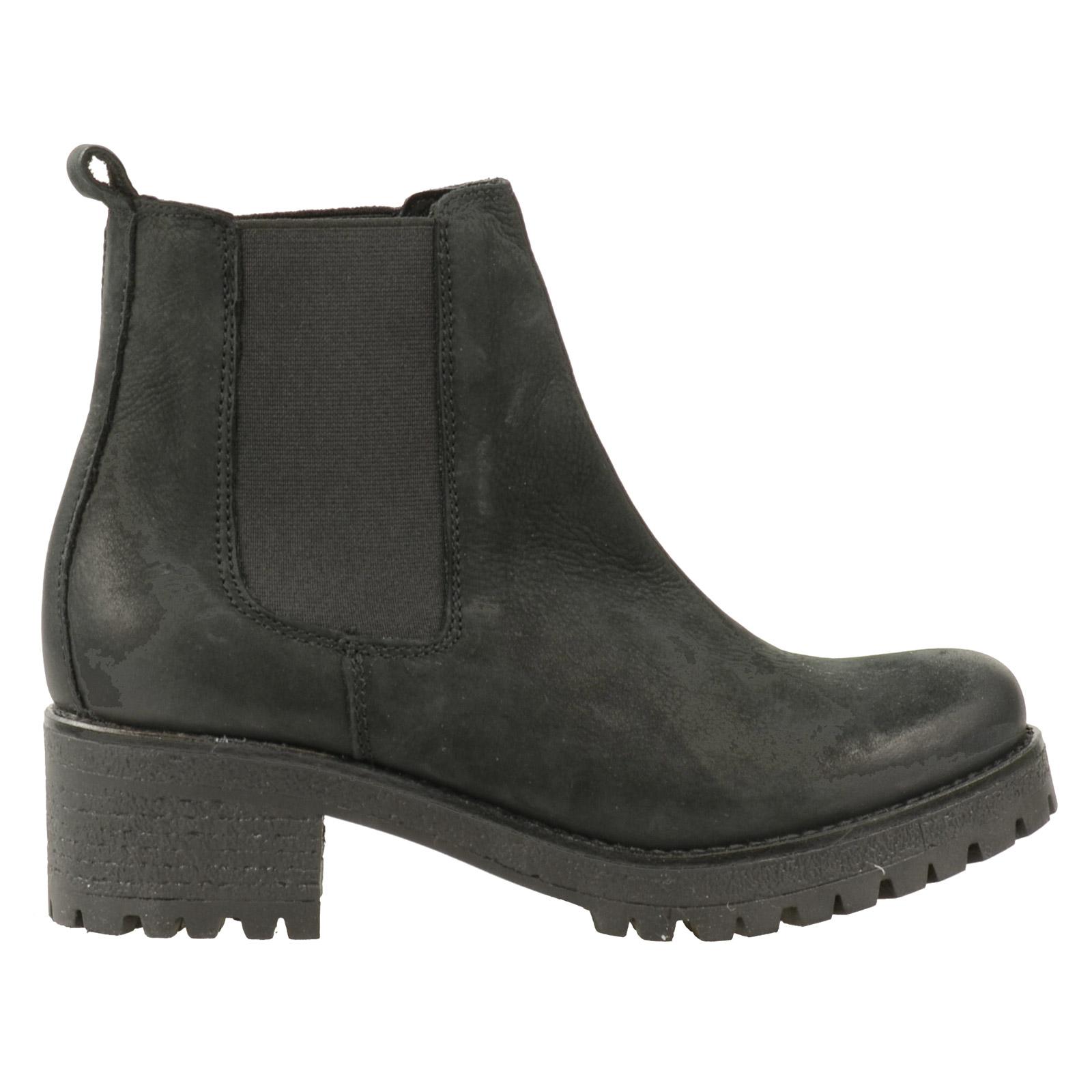 chelsea boots mit klobiger sohle. Black Bedroom Furniture Sets. Home Design Ideas
