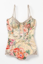 swimwear,vintage,floral,one piece swimsuit,lovely