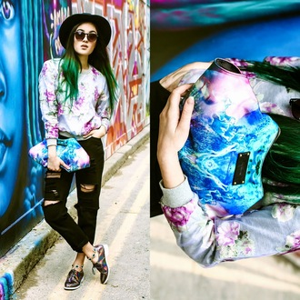 alessandra kamaile blogger sweater jeans shoes bag ripped printed sweater floral holographic shoes