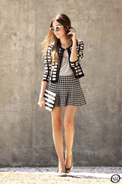 fashion coolture,blogger,houndstooth,mini skirt,black and white,60s style,sunglasses,polka dots
