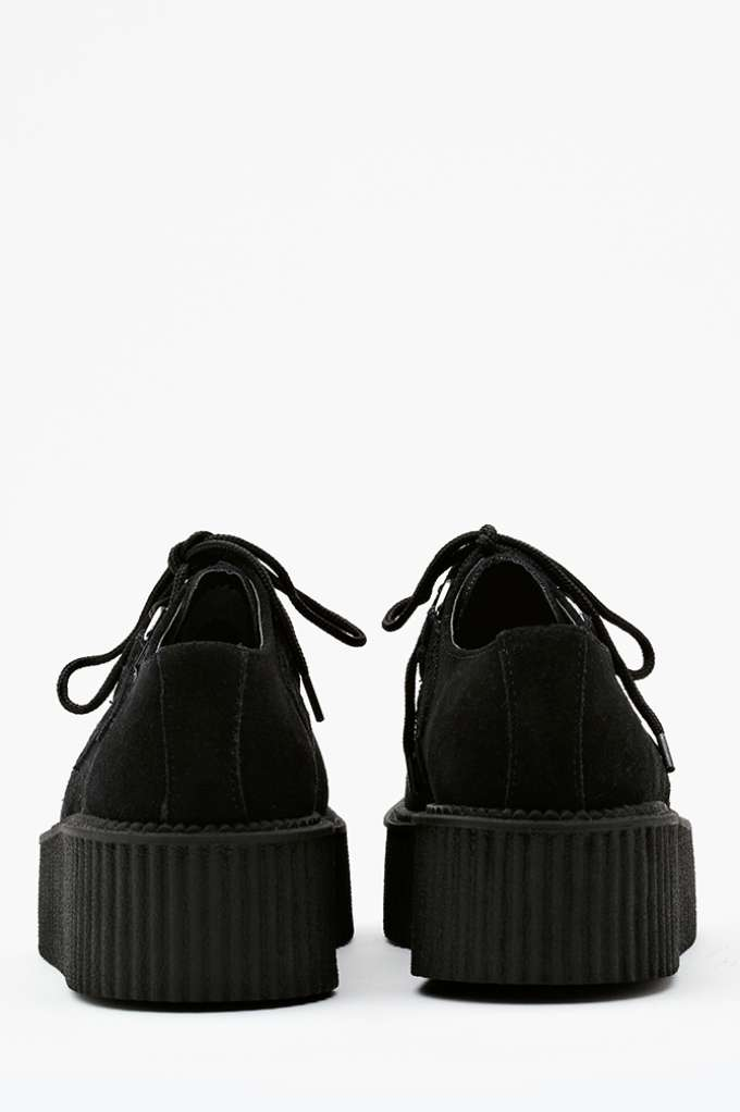 Mondo Creeper - Black at Nasty Gal