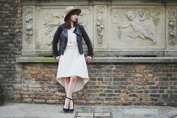 kapuczina blogger jacket bag jewels dress hat shoes