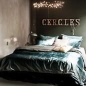 home accessory,tumblr,home decor,home furniture,furniture,bedding,bedroom,tumblr bedroom,pillow,velvet,lamp,holiday home decor,christmas home decor