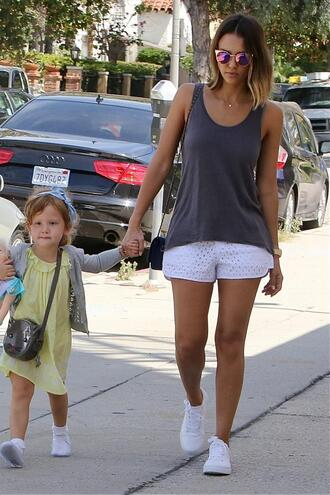 shorts top jessica alba summer outfits tank top shoes sneakers