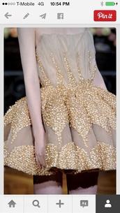 dress,prom dress,prom,circle skirt,tulle skirt,gold,strapless,ball gown dress,evening dress,starry night