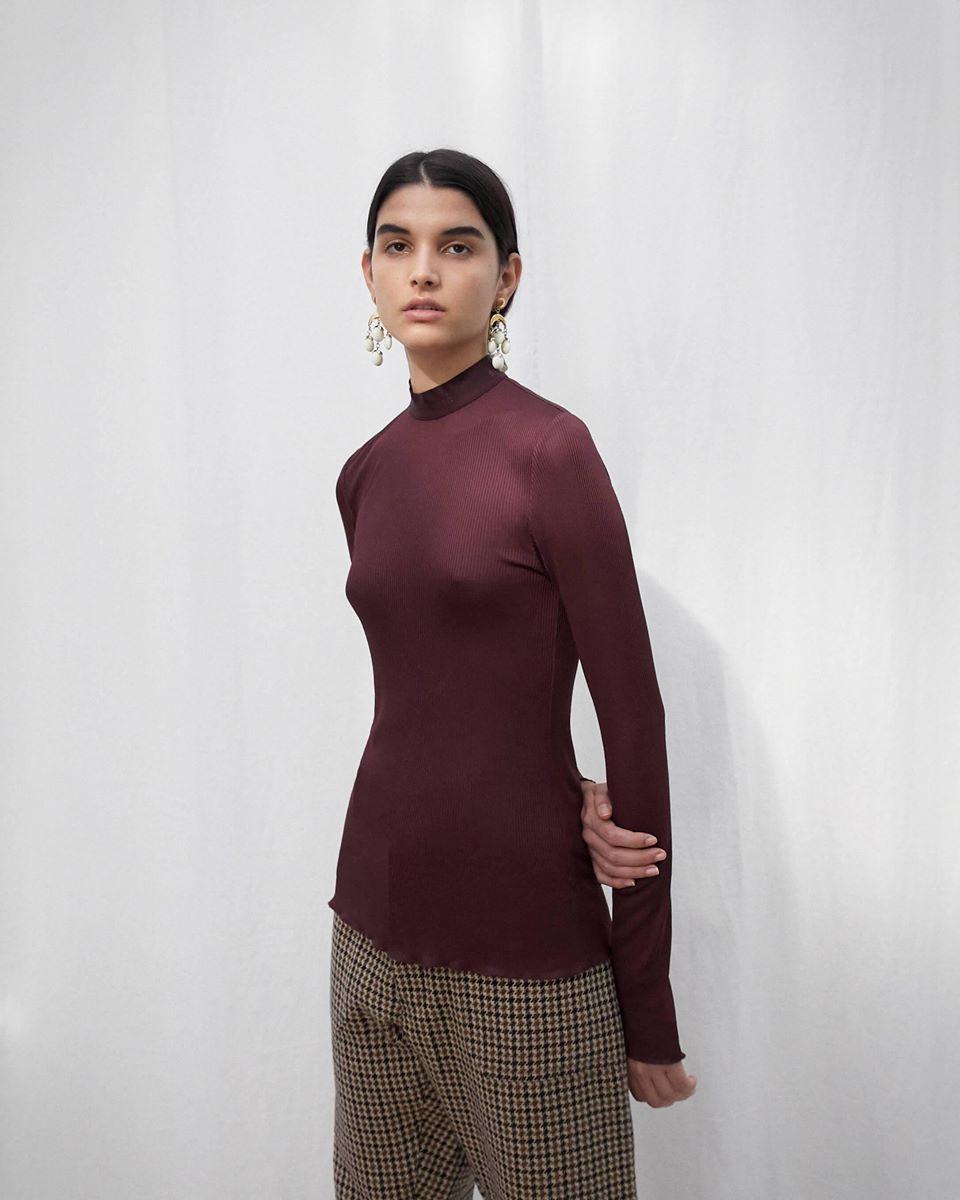 ELINA - Mock neck long sleeve top