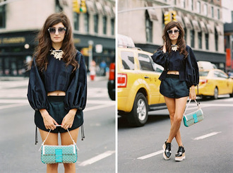 vanessa jackman blogger black top black shorts shorts shoes