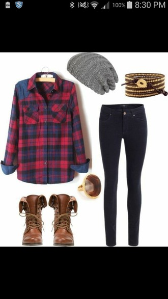 shirt bracelets jeans boots ring