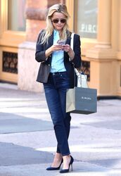 shirt,blazer,office outfits,reese witherspoon,pumps,jeans,sunglasses,blue shirt,plaid shirt