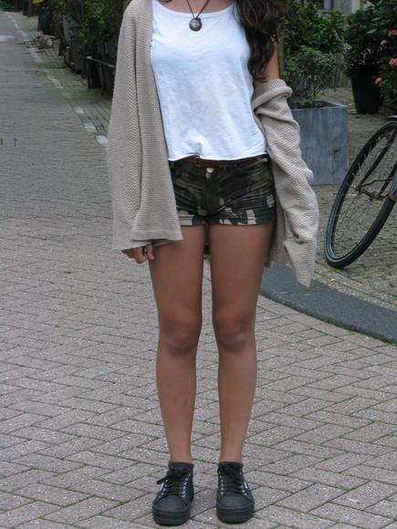 camouflage shoes shorts cardigan t-shirt necklace platform shoes london amsterdam